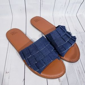 🆕️ STYLISH DENIM RUFFLE SLIP-ON SANDALS